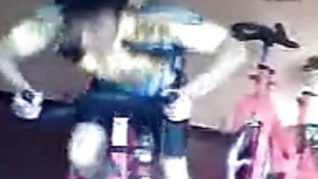 兰思月动感单车视频-动感单车初学者视频_动感