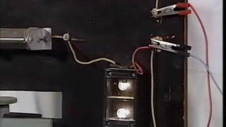 130通电自感现象----(高中物理实验教学大全)
