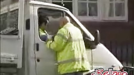 超酷的停车法, 大家试试吧