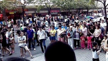 广州上下九残疾人卖唱