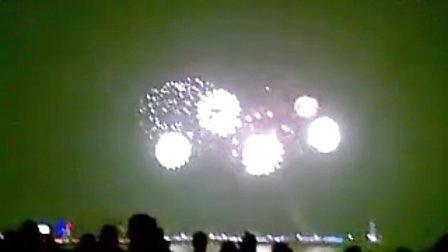 海滨青岛五四广场2012元旦烟花亿元重资打造绚烂夺目