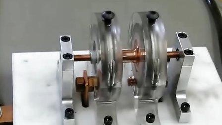 正常的直流电动机换一下接线就能实现