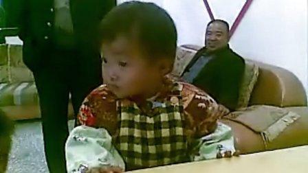 看!一岁宝宝吃完摇头丸一顿嗨! - 亲子 - 3023视