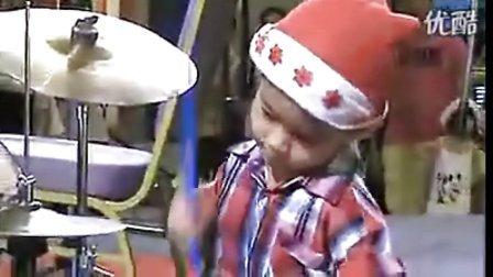 最可爱的小孩鼓手,样子-----呵呵不说了