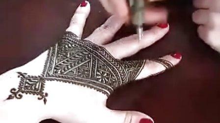 海娜(henna)纹身 蔓海蒂mehndi印度新娘手上的纹身