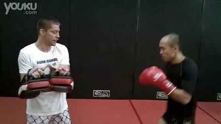 """张铁泉跟UFC的明星Duane """"Bang"""" Ludwig 一起训练"""