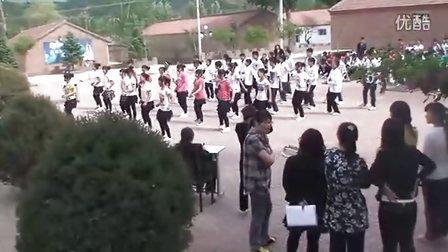 南关中学十六步校园广场舞