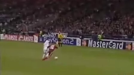视频赛-范尼莫伦元老特斯传射曼联1-2皇马-播肾进球v视频图片