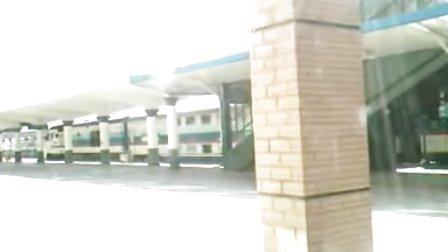 T5004次  新曙光号(齐齐哈尔-哈尔滨)城际列车 大庆火车站进站  201009201137
