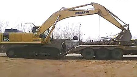 广西挖机挖出大蟒蛇