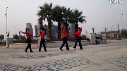 江西省新余市罗坊镇下寸村抱石文化广场舞走天涯