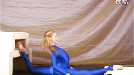 柔术视频:国外柔术美女极限劈叉表演