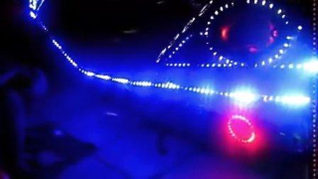 长春吉墭 专业大船巡洋舰摩托车改装配件 全车八路拖尾超亮流水灯