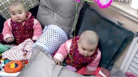 超萌超漂亮的双胞胎女宝宝