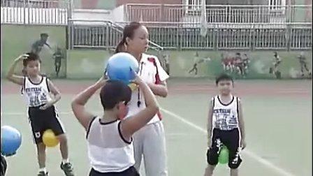 小学三年级体育优质示范课《七彩泡泡球》_翟学_视频课堂实录