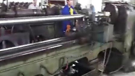 外圆磨床加工视频