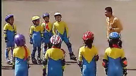 小学二年级体育优质课展示《轮滑游戏》_视频课堂实录