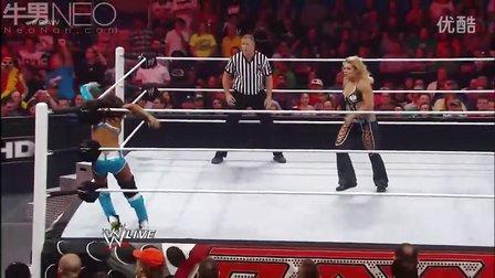 WWE 蕾拉桑提诺·马雷拉 vs 火凤凰  Ricardo