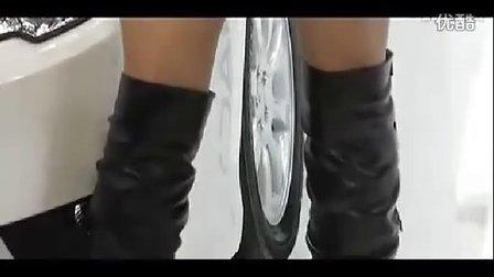 摸美女丝袜脚自美女罚图片