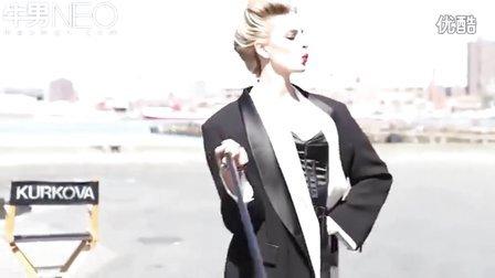 卡罗莱娜·科库娃六月登上《Vogue》杂志封面