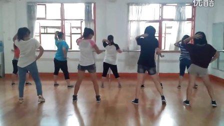 白色街坊爵士舞韩国MV舞蹈 《trouble maker》