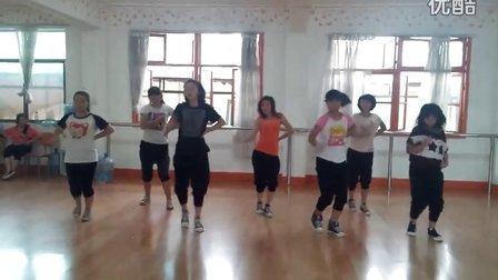 白色街坊韩国MV舞蹈《最近的你》