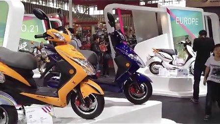 2012南京电动车展会-爱玛电动车新款