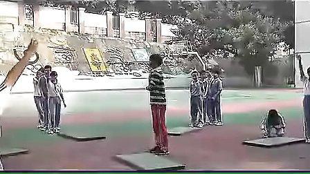 小学六年级体育优质课展示《跨越障碍物接前滚翻》_钟老师_视频课堂实录