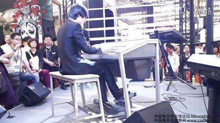 els-01c双排键现场演奏《road star》中国电子琴信息网图片