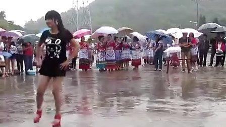 苗族舞蹈操(贵州省台江县城关一小校国画操)-兰花画法的舞蹈视频图片