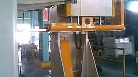 华阳冲床机械手图片
