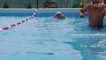 学习游泳的基本步骤视频