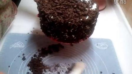 重新上传,黑森林蛋糕做法,红色垫是用宜家蛋糕垫自己剪的