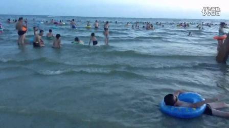 游泳浪花gif动态素材