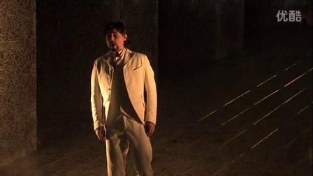男高音Tiberius Simu演唱爱情的歌声随风飘荡 法斯塔夫