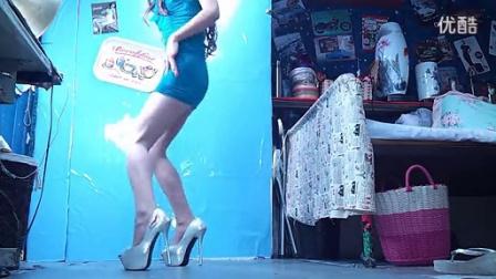 聂聂ruyi 美女自拍热舞  蓝绿裙包臀裙_高清