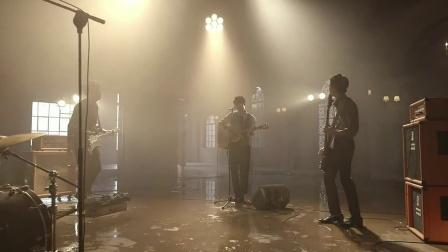 Rain On Me 无字幕版 - ??? MV 超高清在线观看