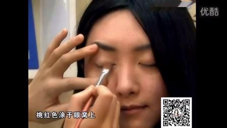 化妆的正确步骤 清纯裸妆视频教程