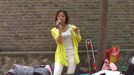 农村歌舞团表演3
