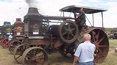 100年前的拖拉机 二