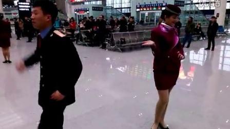 新疆警察通讯打击防范苹果v警察之歌《小博乐》视频草羊图片