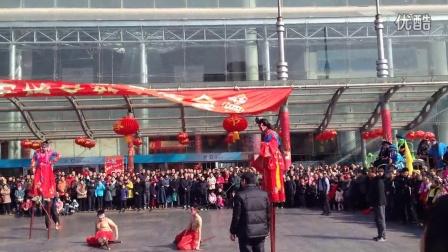 2015大年初五济南小超高跷队舜耕国际会展中心(下)