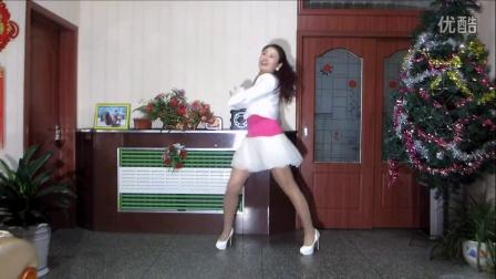 点击观看《金芙蓉广场舞 暖春 还有背面演示》