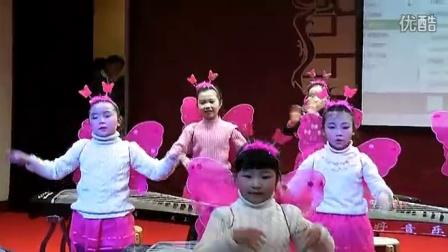原版童声合唱,主唱虫儿飞的女生是谁