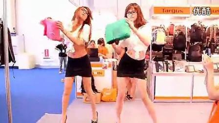 炫秀丶动感之星娜娜和无名美女现场秀舞_ 晓-BOSS零