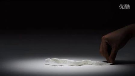 卧槽!怎么做到的?一张纸巾玩得如此出神入化!