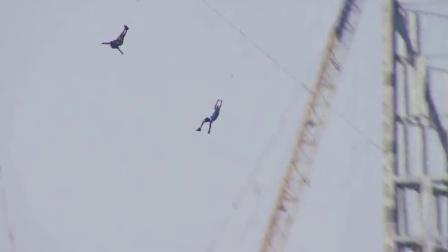 运动无极限:迪拜高楼创意跳伞