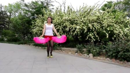点击观看《幸福人生广场舞 张灯结彩 扇子舞》