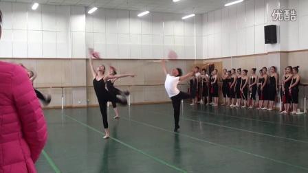 2015年广西师范大学音乐学院11级舞蹈毕业晚word文档如何绘制v舞蹈图图片