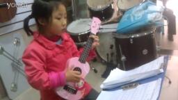 雨欣--乌克丽丽弹唱《两只老虎》